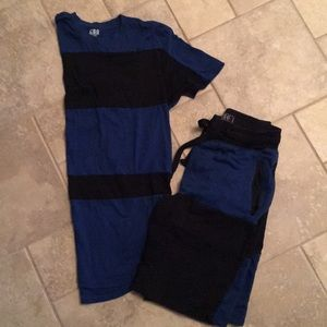 Men's long t-shirt and shorts- size med.